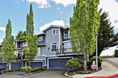 Kirkland Condo/Townhouse For Sale: 8720 123rd Lane NE #8720