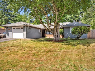 Lynnwood Single Family Home For Sale: 18512 67th Ave W