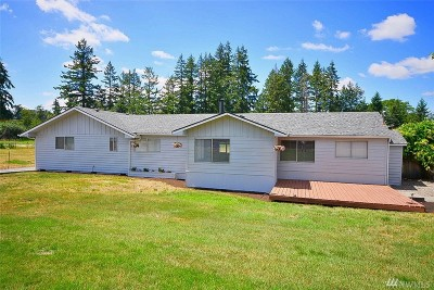 Yelm Single Family Home Pending: 805 Crystal Springs Rd SE