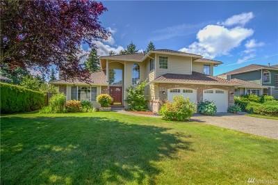 Tacoma Single Family Home For Sale: 5206 Ridge Dr NE