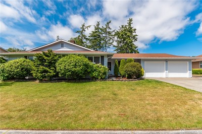 Oak Harbor Single Family Home For Sale: 725 SW London Terrace