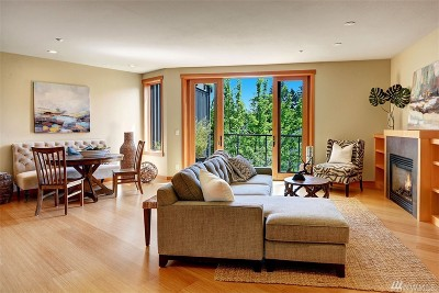 Bainbridge Island Condo/Townhouse For Sale: 610 NE Vineyard Lane #A302
