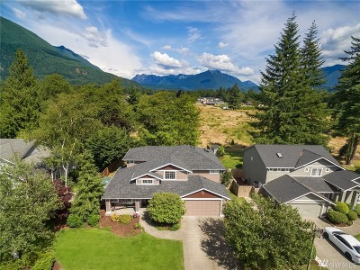North Bend Single Family Home For Sale: 1110 Mountain View Blvd SE