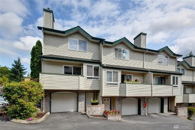 Shoreline Condo/Townhouse For Sale: 19523 Firlands Way N #A-1