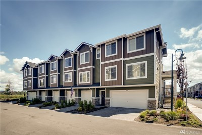 Everett Condo/Townhouse For Sale: 3319 31st Dr #3.4