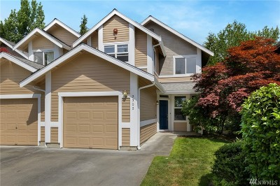Redmond Condo/Townhouse For Sale: 9302 157th Place NE #B104