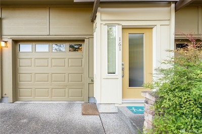 Issaquah Condo/Townhouse For Sale: 161 Cougar Ridge Rd NW