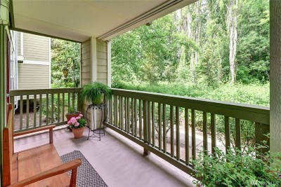 Kenmore Condo/Townhouse For Sale: 7711 NE 175th St #A112