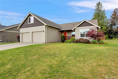 Lynden Single Family Home For Sale: 1704 Burlwood Wy