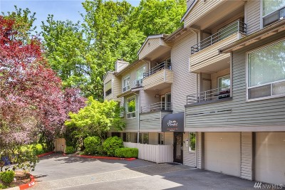 Bellevue Condo/Townhouse For Sale: 3520 Lake Washington Blvd SE #101