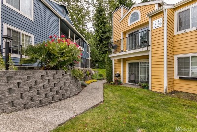 Kent Condo/Townhouse For Sale: 2613 S 272 St #17