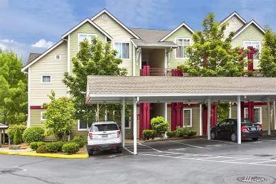 Everett Condo/Townhouse For Sale: 13000 Admiralty Wy #C101