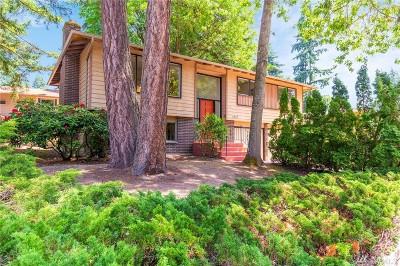 Kirkland Single Family Home For Sale: 11804 NE 142nd St