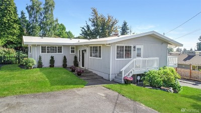 Edmonds Single Family Home For Sale: 910 Brookmere St