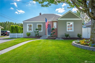 Lynden Single Family Home For Sale: 411 5th St