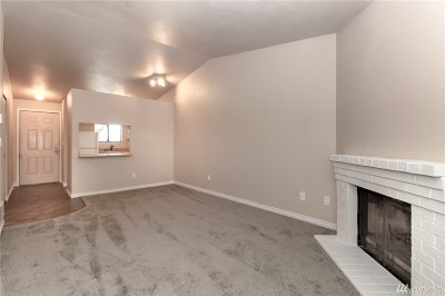 Auburn Condo/Townhouse For Sale: 3436 I St NE #N303