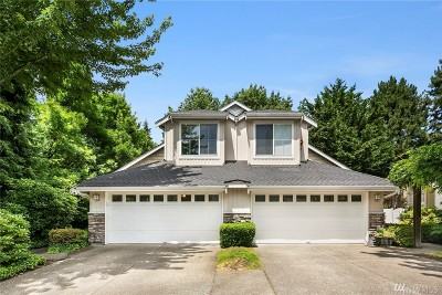 Issaquah Condo/Townhouse For Sale: 120 Newport Wy NW #1