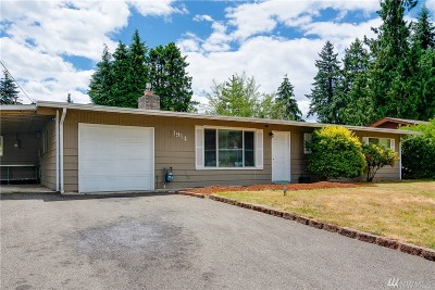 Lynnwood Single Family Home For Sale: 1914 199th Place SW
