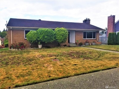 Everett Single Family Home For Sale: 4917 Delaware Ave