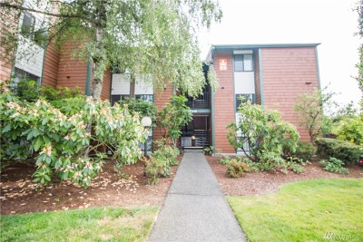 Pierce County Condo/Townhouse For Sale: 7308 N Skyview Place #A-108