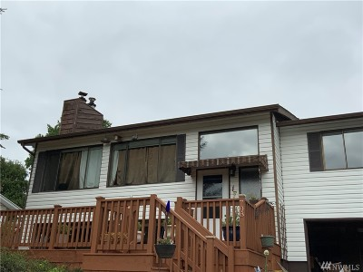 Centralia Single Family Home For Sale: 708 Sky Meadow Dr