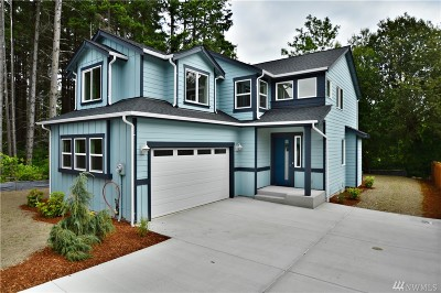 Tacoma Single Family Home For Sale: 10527 Aqueduct Dr Dr E #LOT 7