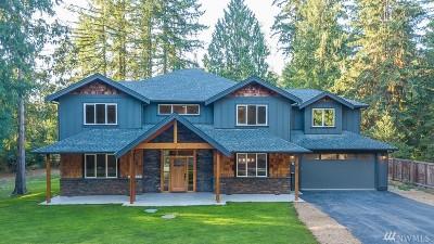 Single Family Home For Sale: 113 W Lake Joy Dr NE