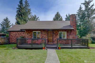 Single Family Home For Sale: 12530 20th Ave NE