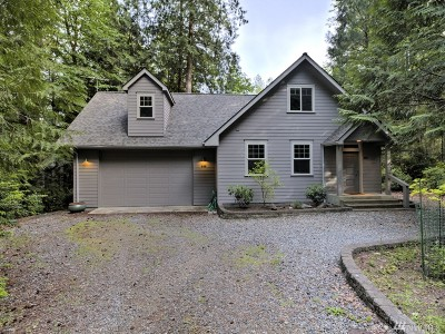 Shelton Single Family Home For Sale: 588 E Pointes Dr W