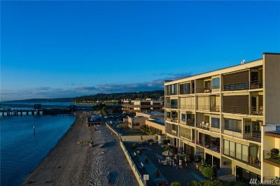 Edmonds Condo/Townhouse For Sale: 200 Beach Place #101