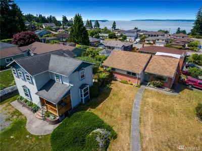 Everett Single Family Home For Sale: 1701 Holbrook Ave