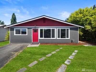 Steilacoom Single Family Home Contingent: 703 Montgomery St