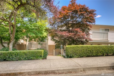 Bothell Condo/Townhouse For Sale: 15805 Waynita Wy NE #D107