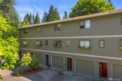 Shoreline Condo/Townhouse For Sale: 726 NW 189th Lane #A3