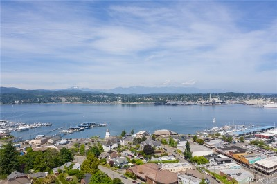 Port Orchard Single Family Home For Sale: 410 Harrison Ave