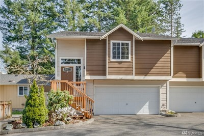 Bothell Condo/Townhouse For Sale: 1532 228th St SE #A