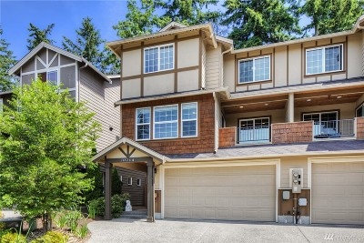 Lynnwood Condo/Townhouse For Sale: 14826 11th Place W #A