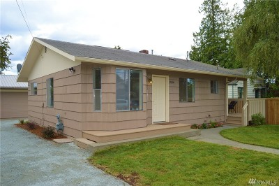 Seattle Single Family Home For Sale: 10250 36th Ave SW