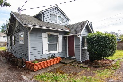 Everett Single Family Home For Sale: 7 Madison St