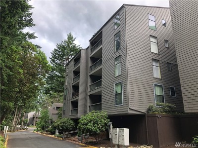 Redmond Condo/Townhouse For Sale: 6355 137th Ave NE #298