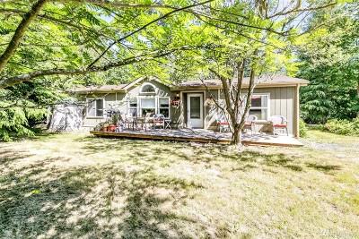 Single Family Home For Sale: 212 Breezy Lane