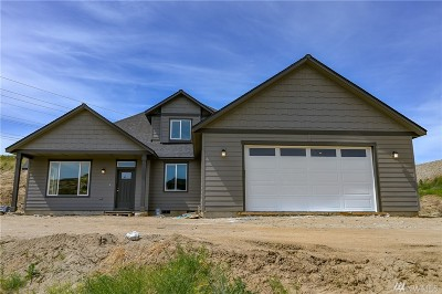 Wenatchee Single Family Home For Sale: 834 Autumn Crest Dr