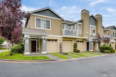 Renton Condo/Townhouse For Sale: 4310 NE 5th Ct #102