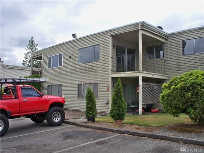Everett Condo/Townhouse For Sale: 319 128th St SE #P227