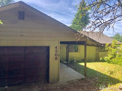 Single Family Home For Sale: 4308 East Bay Dr NW