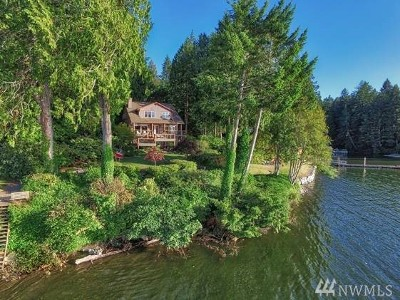 Olympia Single Family Home For Sale: 4246 Sunset Beach Dr NW