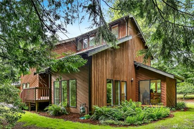 Bellingham Single Family Home For Sale: 2055 Yew Street Rd