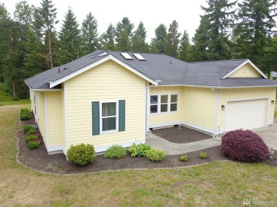 Rainier Single Family Home Contingent: 13341 Cedar Grove Lane SE