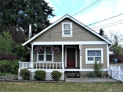 Eatonville Single Family Home For Sale: 404 Center St W