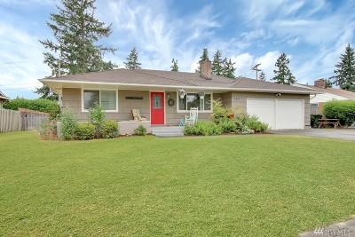 Lakewood Single Family Home For Sale: 10636 Rainier Ave SW